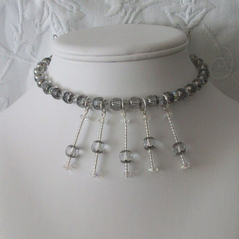 cathedral-cut-magnetic-clasp-choker-bust