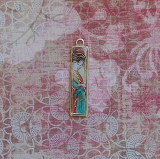 dawno_asian-woman-pendant