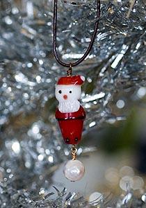 Santa lampwork + pearl