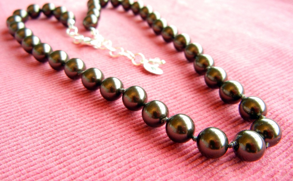 knotted-crystal-pearl-necklace