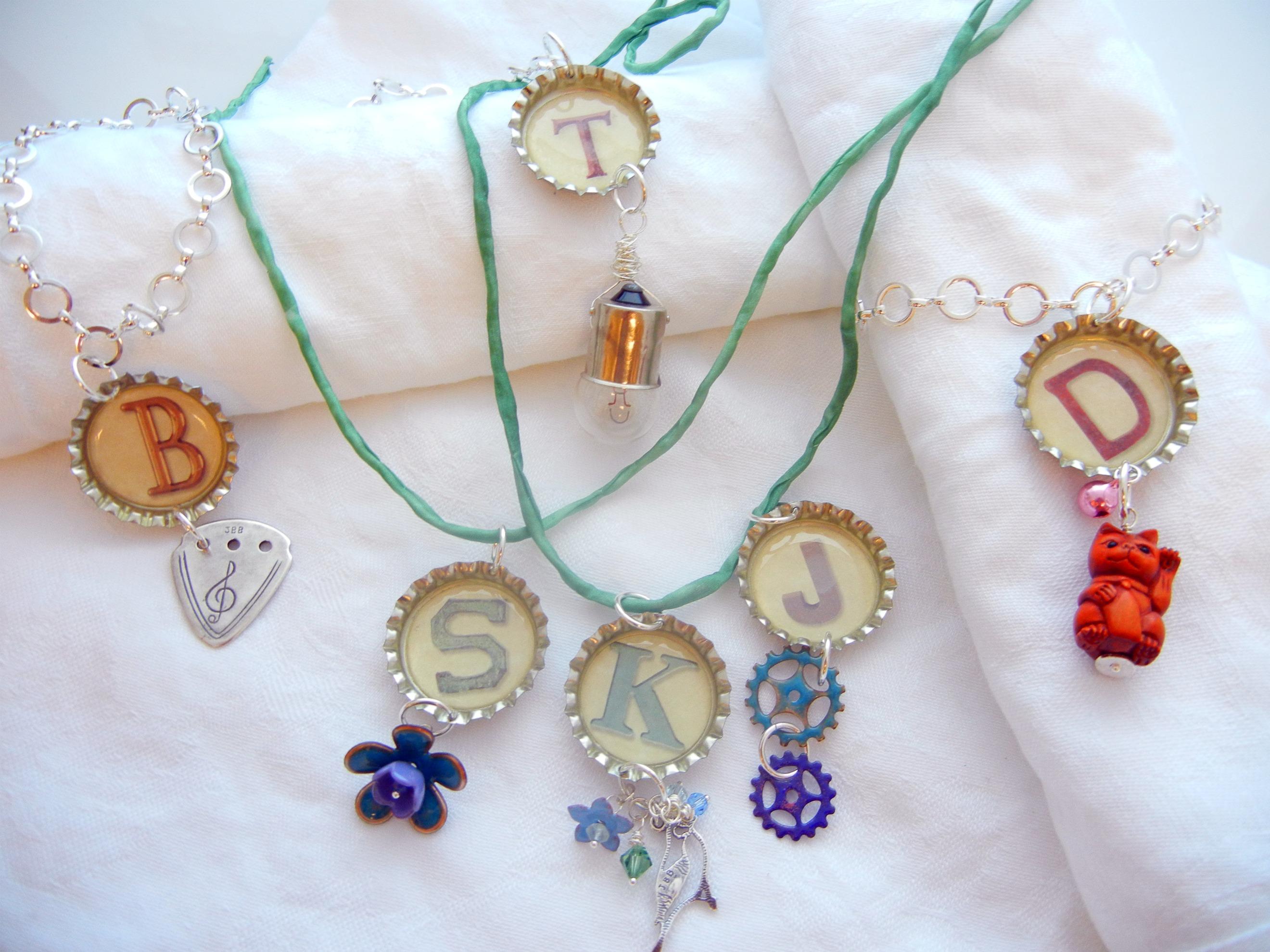 Twelve Days Of Christmas Jewelry Designs 2 Bottle Cap