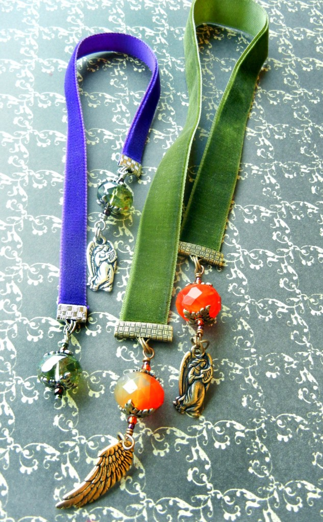 velvet-ribbon-bookmarks