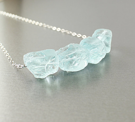 The stones on this necklace are stunning! I love the way that Isabella of Nature Look Jewelry has made it so they almost are floating.