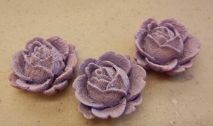 violet paste on resin flowers