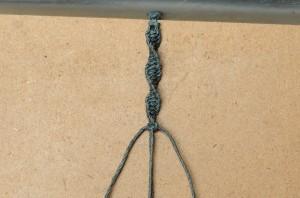 Macrame half-knot spiral stitch.