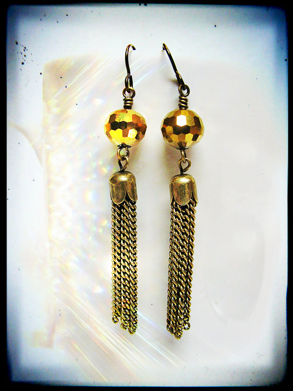 These earrings are similar to the ones worn above by Laurin.