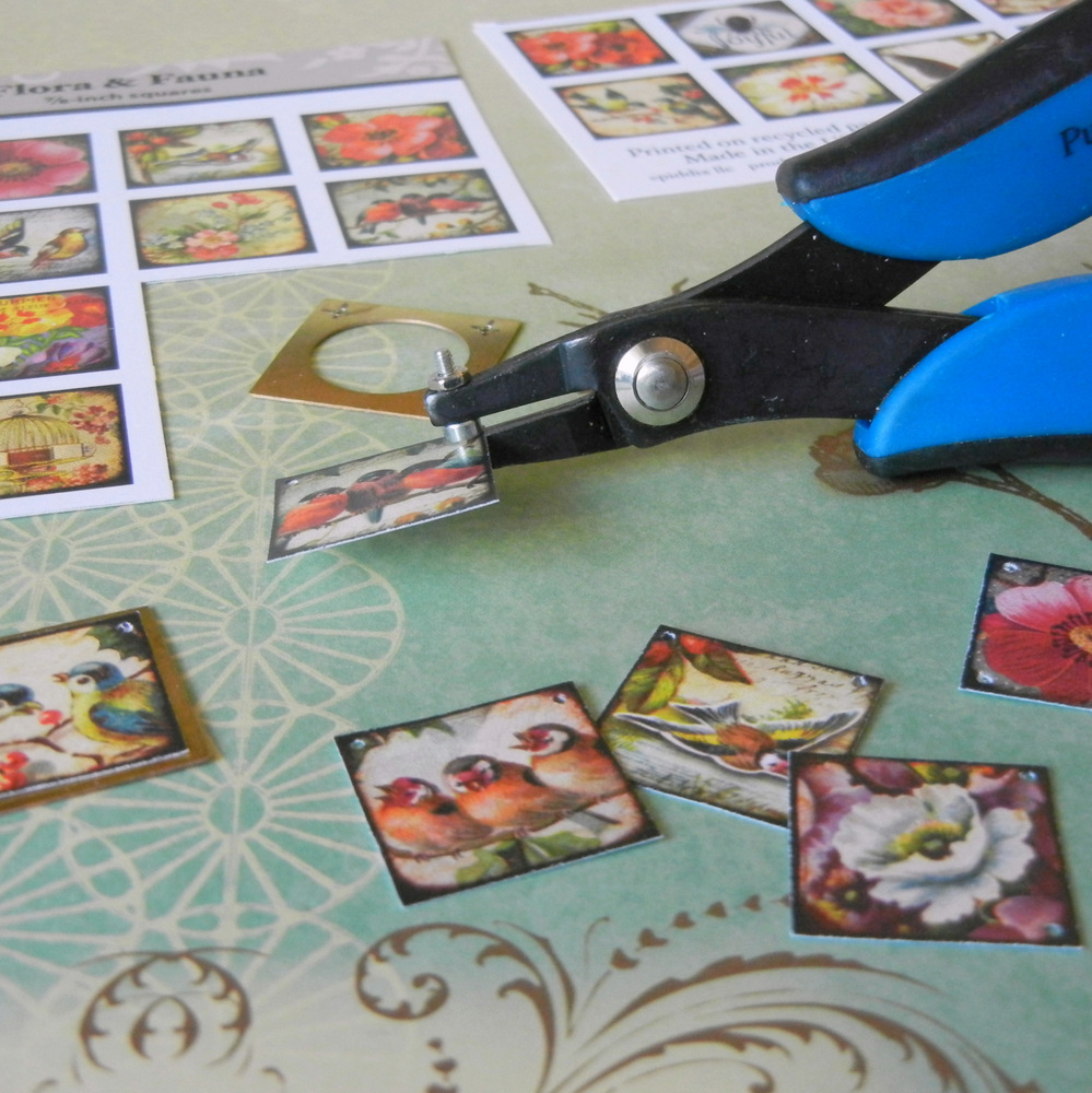 How to make a journal necklace with Piddix image sheets, punching holes.
