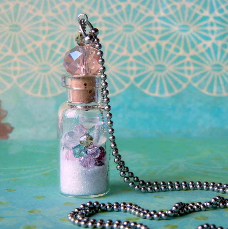 How to make a glass vial necklace rings and things there is no denying that little glass bottle necklaces are adorable and as keepsake jewelry they are easily adaptable for a multitude of themes mozeypictures Images