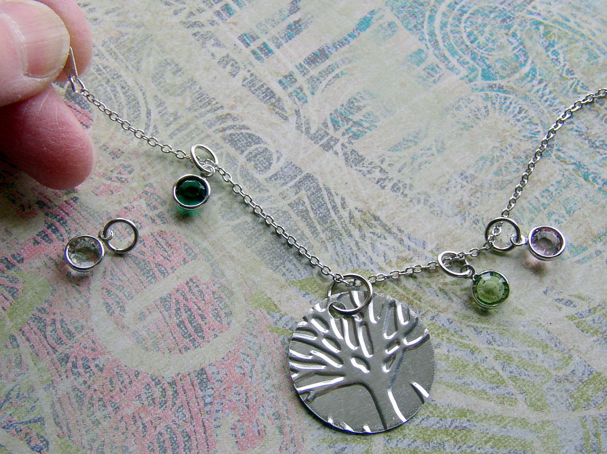 Family Tree jewelry -- Make your mother a birthstone charm necklace.