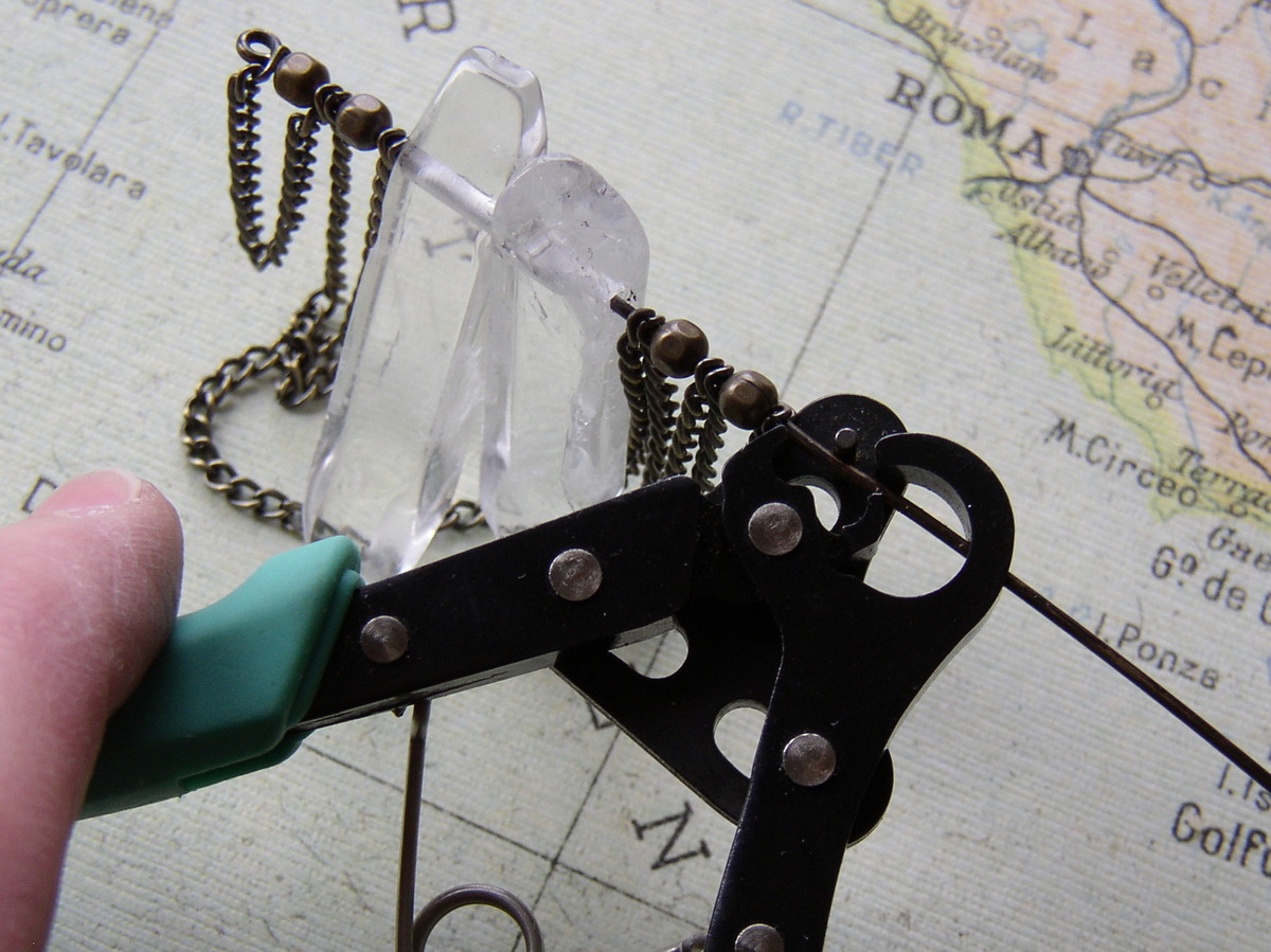 How to make a bead bar necklace with the 1-Step Looping pliers.