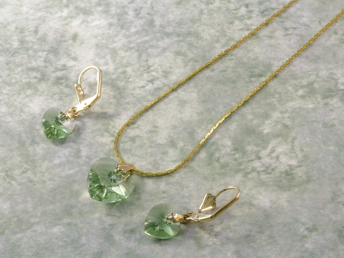 green heart necklace earring set 1200x900